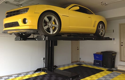 Maximumone single post car lift model m1 4 5 and m1 6 5 Lift for home garage